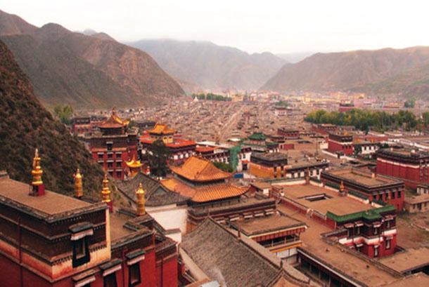 兩名藏僧因涉及分享西藏訊息遭判入獄服刑
