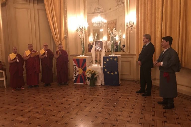 HHDL bday in brussels