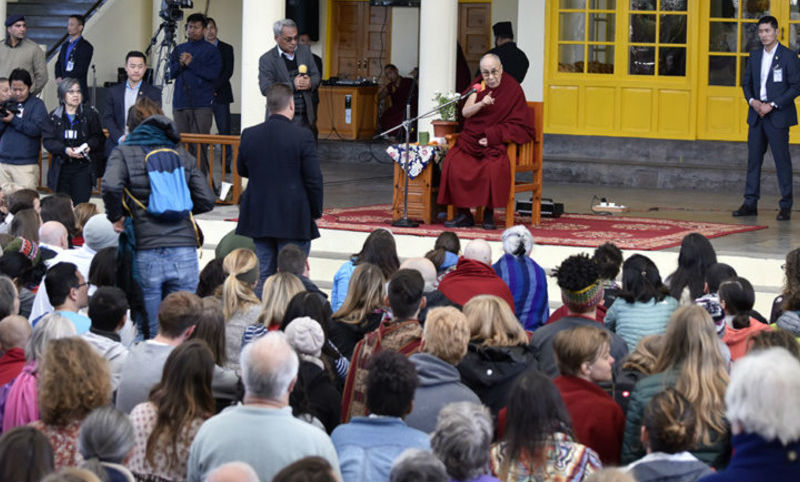 His Holiness the Dalai Lama hosted more than 600 foreigners for a private audience on March 5, 2018. Photo: OHHDL