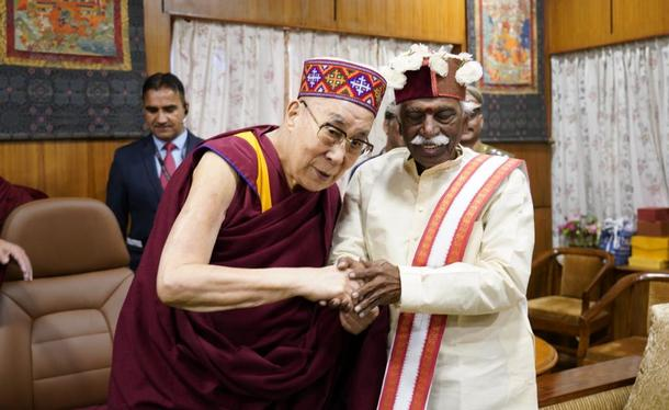 His Holiness the Dalai Lama and H.P. Governor Bandaru Dattatreya during the audience at His Holiness' residence, Dharamshala, India. November 18, 2019. Photo/OHHDL