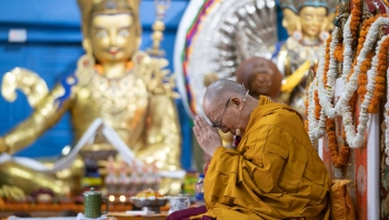 "His Holiness the Dalai Lama speaks about ""Generating the Awakening Mind"""
