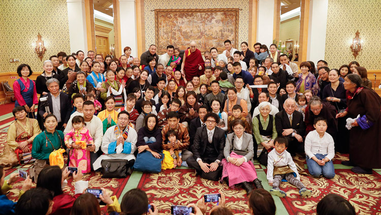 His Holiness the Dalai Lama posing for a group photo after his meeting with members of the Tibetan and Bhutanese communities in Tokyo, Japan on November 20, 2018. Photo by Tenzin Choejor
