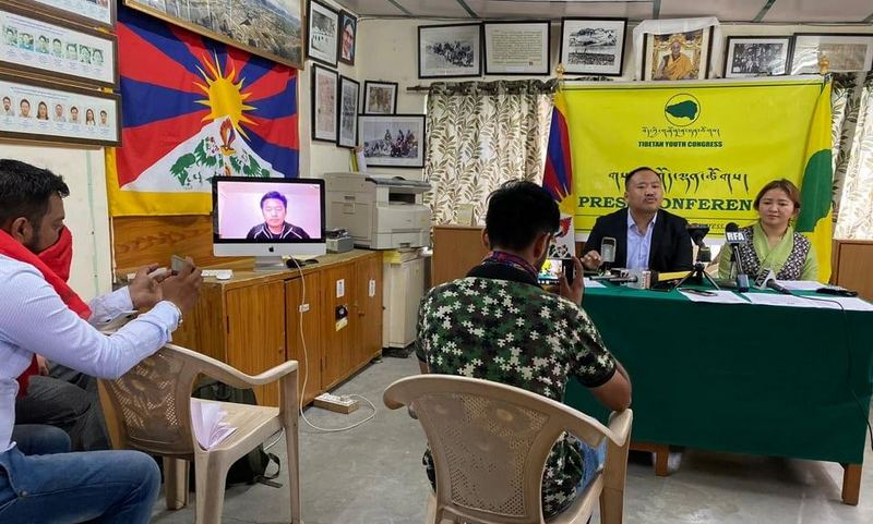 Gonpo Dhundup, President of the Tibetan Youth Congress and Rigzin Choedon, National Director of the Students for a Free Tibet – India, during a joint press conference in Dharamshala, India, on June 1, 2020. Photo: TPI